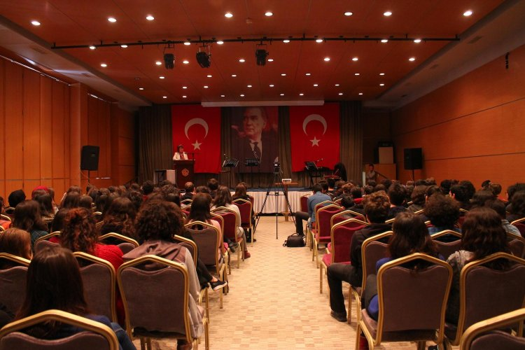 UN-Resident-Coordinator-in-Turkey-conducts-a-seminar-regarding-the-efforts-UN-for-world-peace